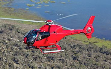 35 Min R22 Trial Helicopter Flight from Perth