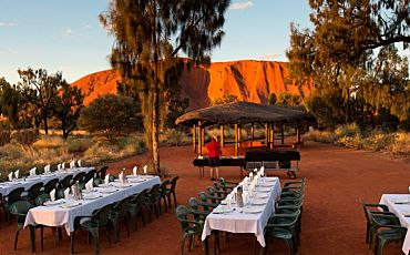 4 Day/3 Night Red Centre Highlights Plus Tour from Ayers Rock to Ayers Rock