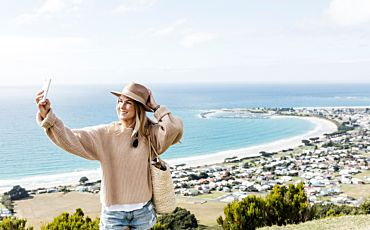 2 Day/1 Night Around and About Ultimate Great Ocean Road Tour from Melbourne