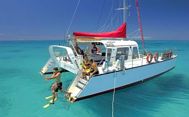1 Day Reef Daytripper Upolo Reef Sailing Adventure from Cairns