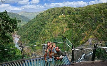 6 Day/5 Night Tropical Rainforest and Reef Retreat Tour from Port Douglas