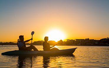Surfers Paradise Sunset Kayak Tour from Gold Coast