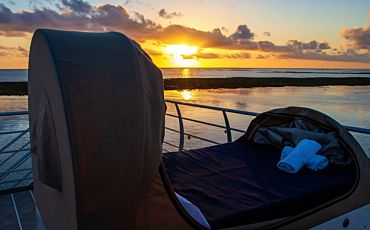 2 Day/1 Night Outer Barrier Reef Sleep from the Whitsundays