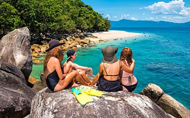 Half Day and 1 Day Raging Thunder Fitzroy Island Tour from Cairns