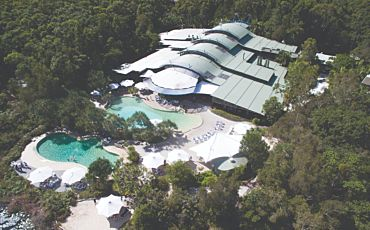 4 Day/3 Night Kingfisher Bay Resort Fraser Island Tour and Cruise Package